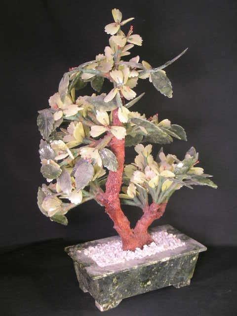 362: VINTAGE QUARTZ AND JADE JADEITE TREE - 7