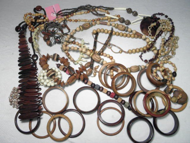 17: BOX LOT ASSORTED WOODEN LADIES COSTUME JEWELRY
