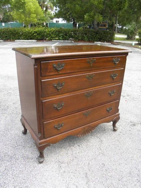 148: MAHOGANY FOUR DRAWER CHEST