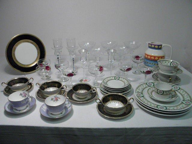 91: ASSORTED CRYSTAL STEMWARE & PORCELAIN DINNERWARE ET