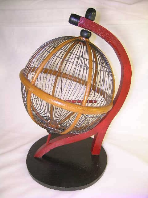 805: SMALL GLOBE SHAPE BIRD CAGE ON STAND