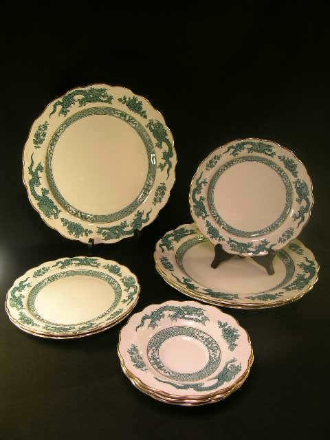 820: BOOTH ENGLISH PORCELAIN CHINA DRAGON PATTERN 9 PIE