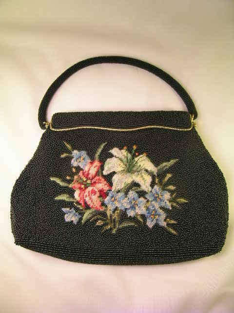821: PETITE NEEDLEPOINT FLORAL BLACK SEED PEARL PURSE