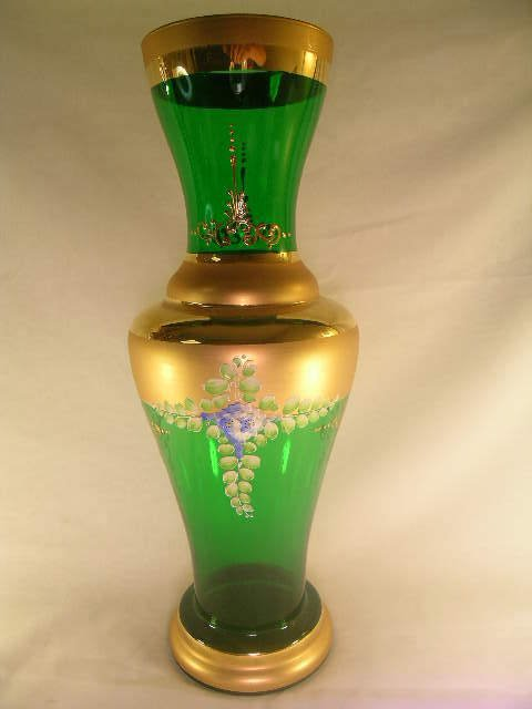 822: PRETTY ITALIAN GREEN GLASS HAND PAINTED GILT VASE