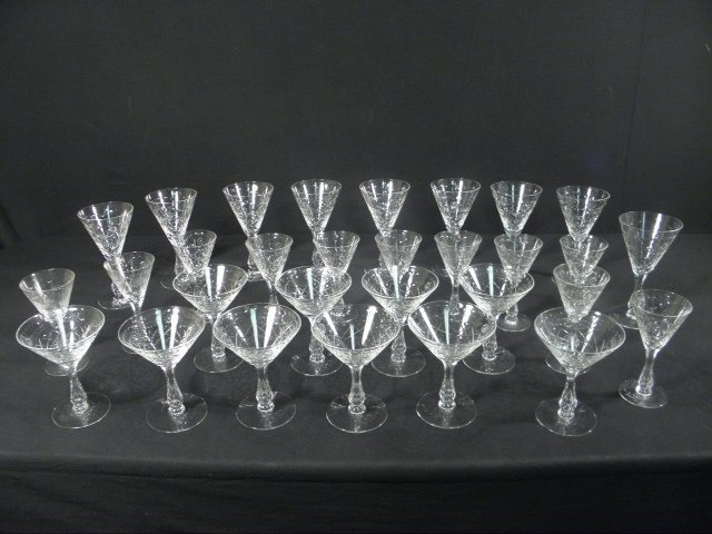 6: ENGRAVED CRYSTAL HOLLOW STEM WINE GLASSES: 30 PCS