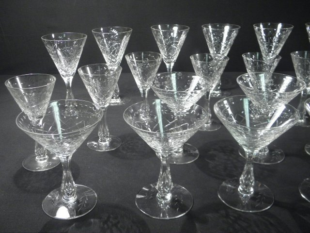 6: ENGRAVED CRYSTAL HOLLOW STEM WINE GLASSES: 30 PCS - 2