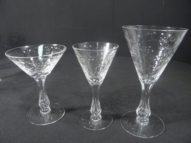 6: ENGRAVED CRYSTAL HOLLOW STEM WINE GLASSES: 30 PCS - 4