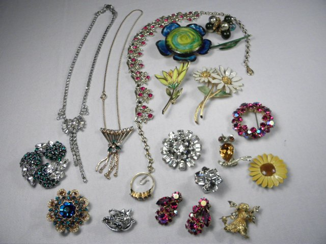 12: COSTUME JEWELRY: WEISS CARNEGIE SHERMAN CORO ETC