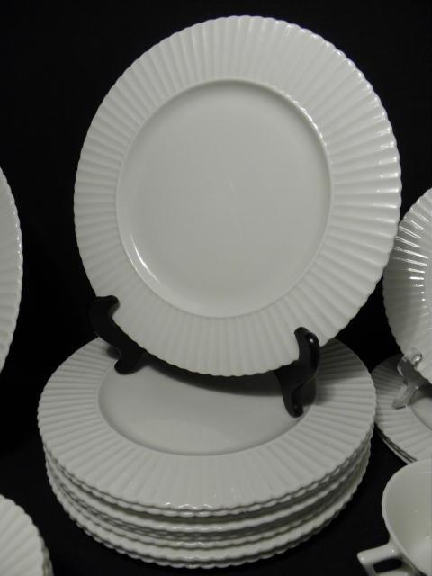 "105: LENOX ""TEMPLE OFF-WHITE"" PARTIAL DINNERWARE SERVIC - 5"