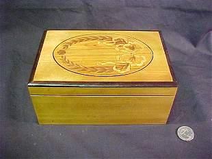 INLAID SATINWOOD BOX BOW LAUREL MOTIF