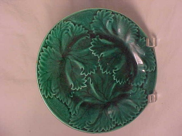 836: ANTIQUE MAJOLICA DEEP GREEN PLATE LEAVES