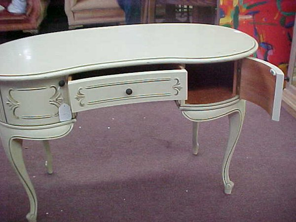 1005: KIDNEY SHAPED FRENCH PROVINCIAL VANITY - 2