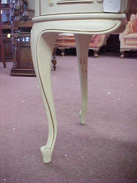 1005: KIDNEY SHAPED FRENCH PROVINCIAL VANITY - 4
