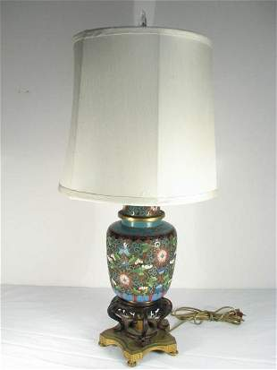 CHINESE CLOISONNE URN MOUNTED AS A TABLE LAMP