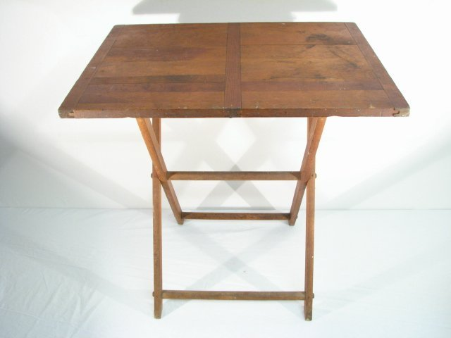 SMALL FOLDING END TABLE WITH INLAID TOP