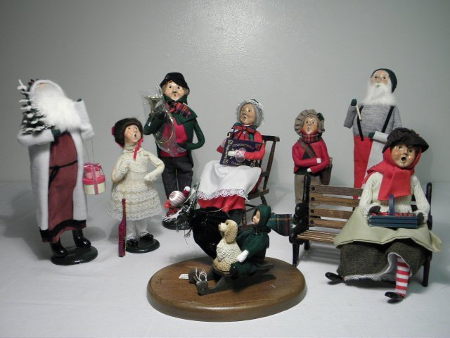 EIGHT BYERS CHOICE CAROLERS: SANTA, ETC.