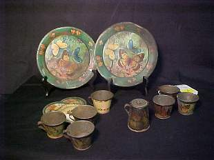 ANTIQUE CHILDS TIN DISHES HAND PAINTED