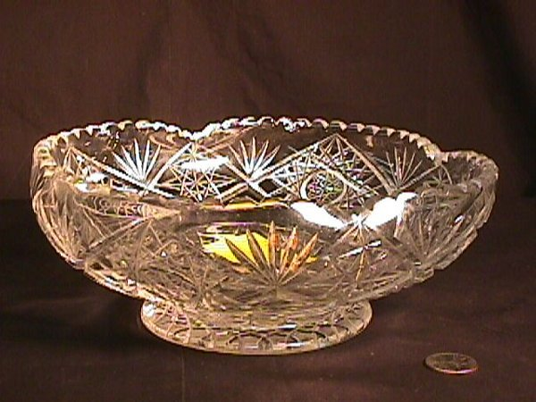824: VINTAGE CUT GLASS CRYSTAL BOWL