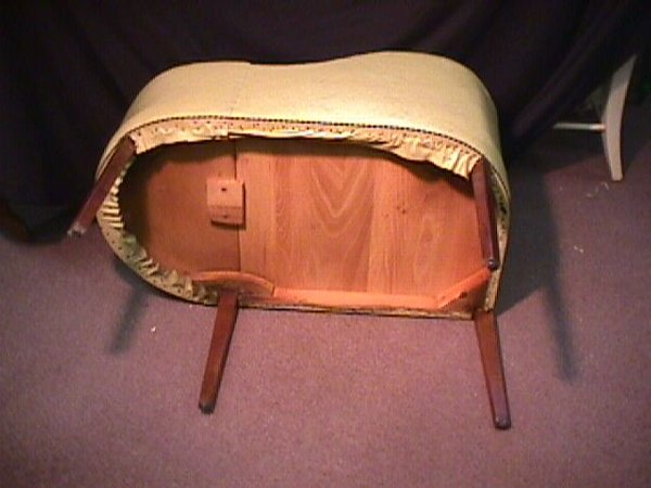895: 50s TELEPHONE CHAIR / TABLE - 4