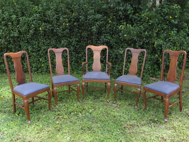 FIVE EARLY 20TH C CARVED OAK DINING CHAIRS