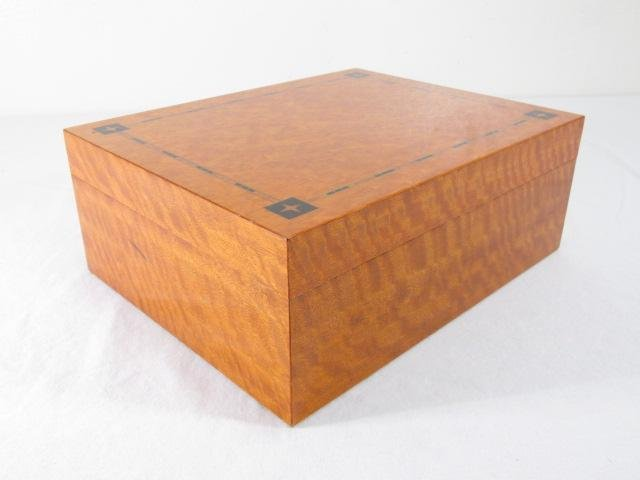 RITOS PARQUETRY INLAID MAPLE HUMIDOR