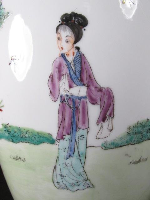 CHINESE FAMILLE ROSE HAND PAINTED VASE AS LAMP - 7