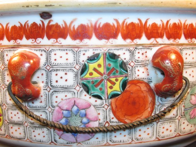 CHINESE HAND PAINTED PORCELAIN COVERED TUREEN - 6