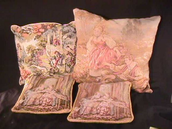 440: 4 TAPESTRY DECORATIVE PILLOWS