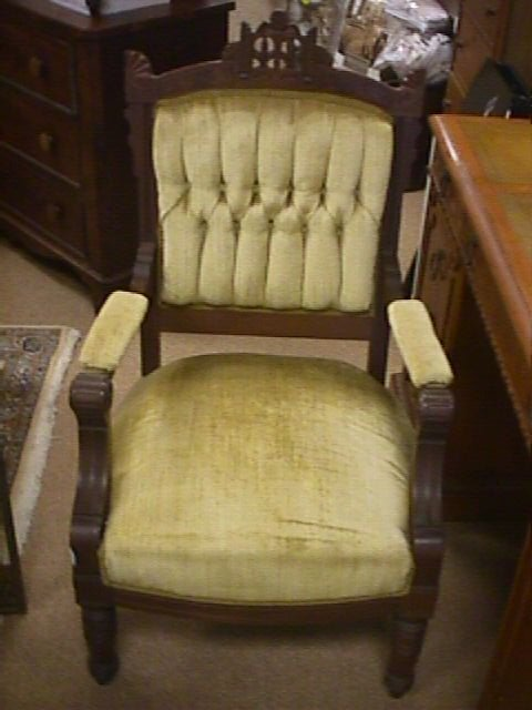 441: ANTIQUE VICTORIAN EASTLAKE CARVED ARM CHAIR