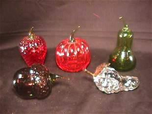 GROUP ASSORTED ART GLASS FRUIT