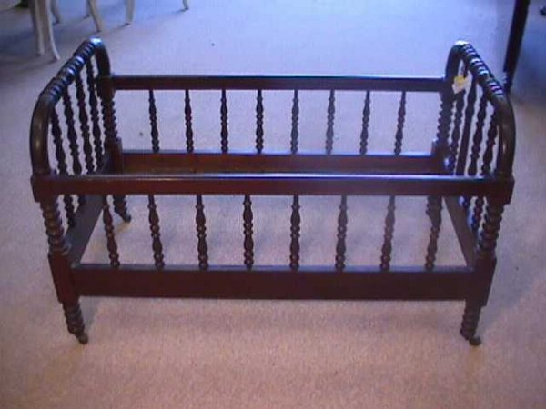 981: ANTIQUE AMERICAN SPINDLE BABY CRIB