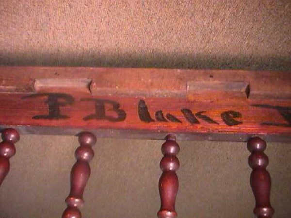 981: ANTIQUE AMERICAN SPINDLE BABY CRIB - 6