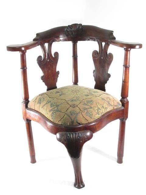 EARLY GEORGE II CARVED MAHOGANY CORNER CHAIR