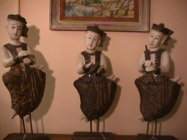 8: 3 CARVED WOODEN BALINESE BALI FIGURES MUSICIANS