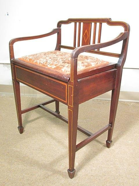 SMALL HEPPLEWHITE STYLE PARQUETRY BANDED BENCH