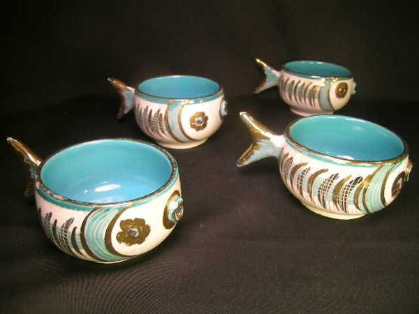 14: FUNKY ITALIAN GILT PAINTED FISH CUPS 4 PCS