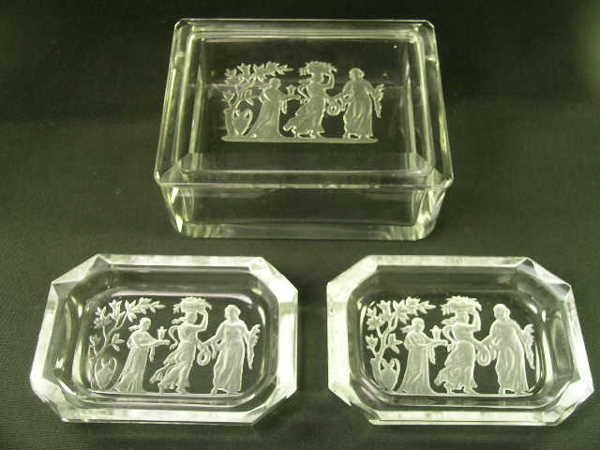 416: VERLYS ? THREE GRACES ENGRAVED CRYSTAL BOX + EXTRA