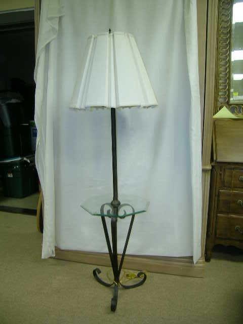 422: METAL FLOOR LAMP WITH GLASS SHELF