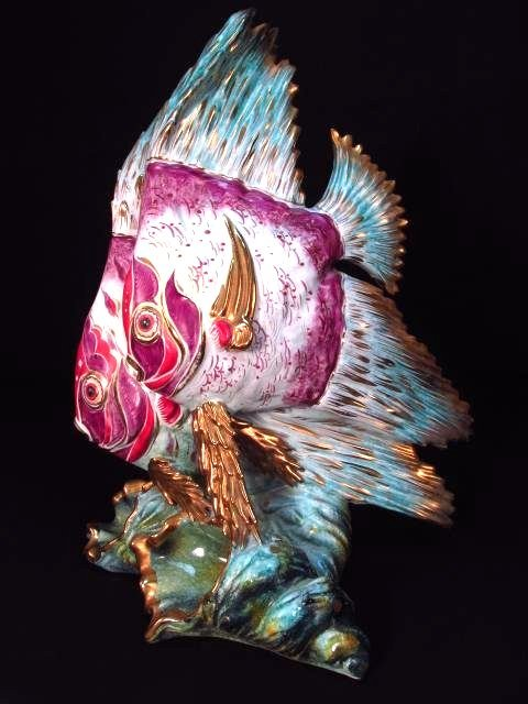 ITALIAN CAPODIMONTE PORCELAIN SCULPTURE: ANGELFISH