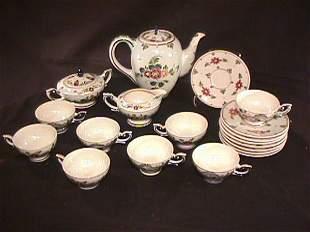 DELFTS PORCELAIN POTTERY 19 PIECE TEA SET FLORAL
