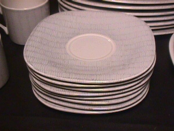 1087: MIKASA TEMPO EIGHTY DINNERWARE 39 PC SERVICE FOR - 4
