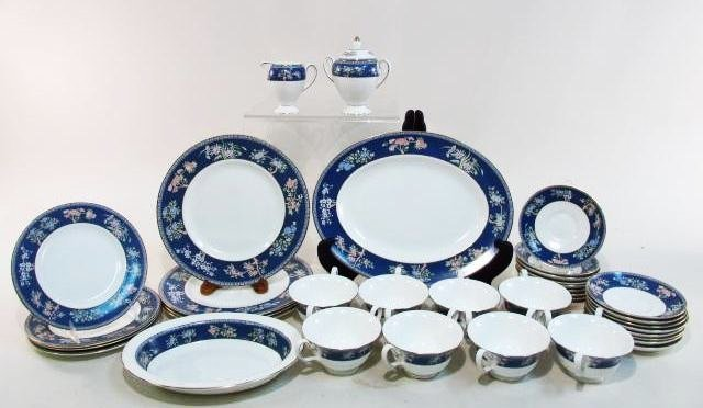 "WEGDWOOD ""BLUE SIAM"" PORCELAIN DINNERWARE: 37 PIECES"