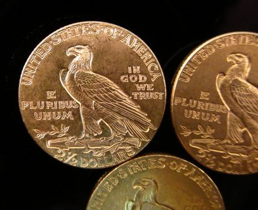 THREE US $2.50 INDIAN HEAD QUARTER EAGLE GOLD COINS - 5