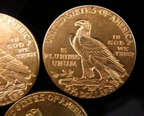 THREE US $2.50 INDIAN HEAD QUARTER EAGLE GOLD COINS - 6