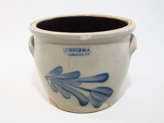 BLUE & WHITE STONEWARE POT
