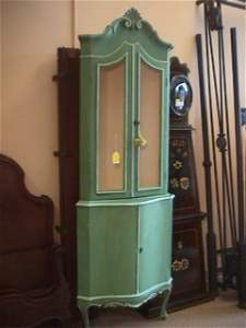232: FRENCH PROVINCIAL PAINTED CORNER CABINET CURIO HUT