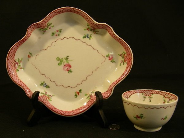 18th CENTURY PORCELAIN FLORAL PAINTED CUP AND TRAY