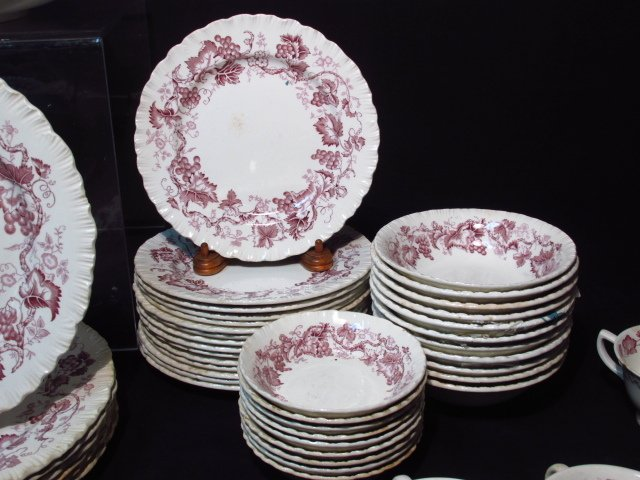 "WEDGWOOD ""OLD VINE"" PORCELAIN DINNERWARE - 6"