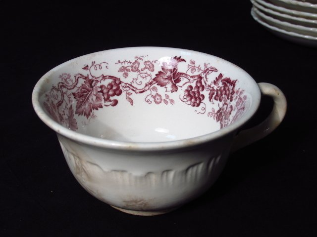 "WEDGWOOD ""OLD VINE"" PORCELAIN DINNERWARE - 7"