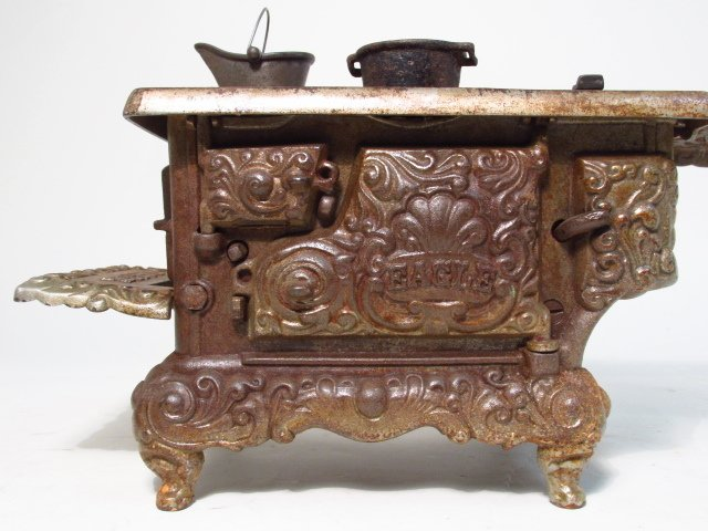 TWO EAGLE CAST IRON SALESMAN SAMPLE STOVES - 4